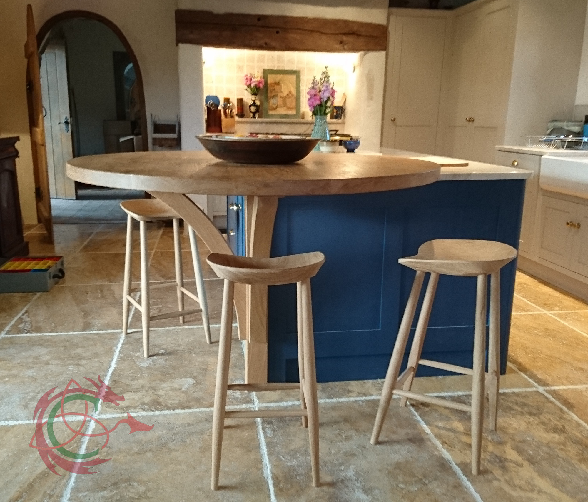 Kitchen Gallery Solihull: Breakfast Bar In West Wales Barn Conversion 0394